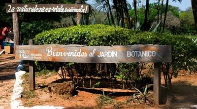 """""""El Jardín Botánico es un colador, entran por todos lados"""""""