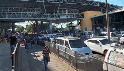 Bloquean Puente de la Amistad en la Zona Primaria de CDE