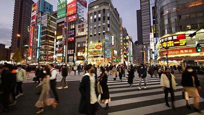 Japón y otros países de Asia inician nuevas restricciones por el avance del coronavirus