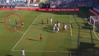 El impresionante gol de Licht a poco de cumplir 40 años