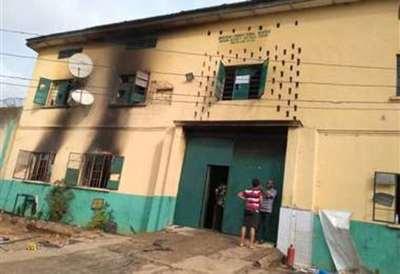 Más de 1.800 presos se fugaron de una prisión en Nigeria