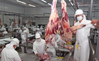 Frigoríficos del Chaco faenaron 56.677 bovinos al cierre del mes de marzo