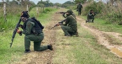 La Nación / Ocho militares venezolanos muertos en combate en la frontera con Colombia