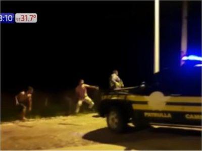 Brutal ataque a agentes de la Patrulla Caminera en Paraguarí