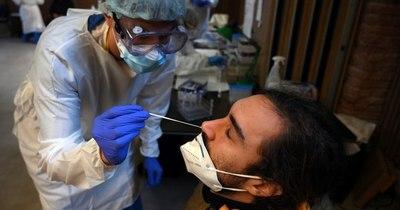 La Nación / Largas filas en hospitales de Buenos Aires para pruebas de COVID-19