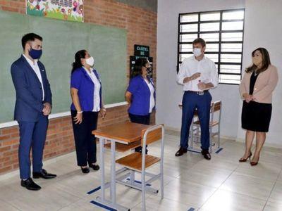 Colegios oficiales en zonas rojas se vuelcan al modo virtual ante el Covid