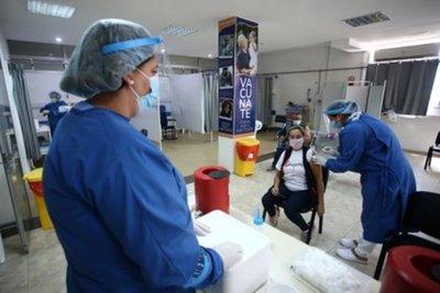 Uruguay lidera el ránking de vacunación per cápita contra el COVID-19 en abril