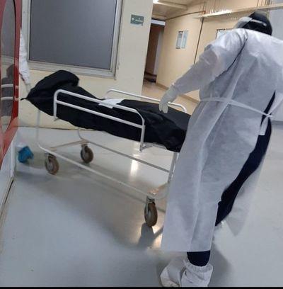 Nuevo récord de 64 fallecidos a causa del COVID-19, con 1.456 casos positivos