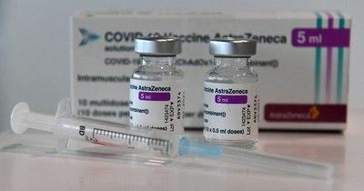 La Nación / Un responsable de EMA confirma un vínculo entre la vacuna de AstraZeneca y las trombosis