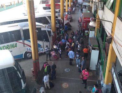 Terminal de Asunción: 8.500 arribos desde distintos puntos del país · Radio Monumental 1080 AM