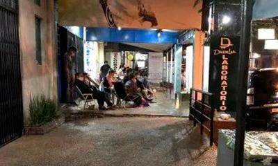 Ñemby; Familiares de internados en la intemperie esperan resultados – Prensa 5