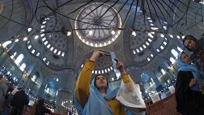 Prohíben los rezos masivos nocturnos de Ramadán en las mezquitas por la pandemia