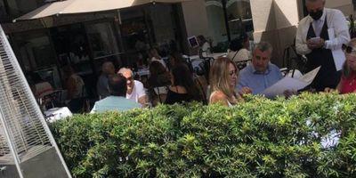 """Fotografían a Villamayor en restaurante top de Miami y se habla de un """"turismo de vacunas"""""""