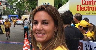 La Nación / Querella insiste en que la prensa transmita juicio oral contra Natalia Zuccolillo