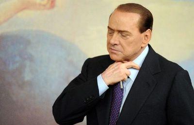 Berlusconi, de nuevo hospitalizado en Milán