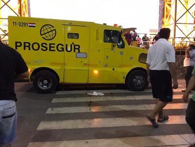 Policía rastrea pistas sobre asalto al camión de caudales · Radio Monumental 1080 AM