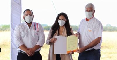 Firman contrato para la construcción del Gran Hospital