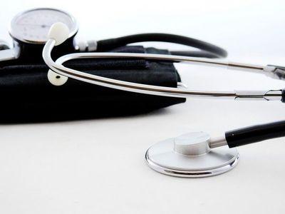 Cuatro médicos mueren a causa del Covid en menos de 24 horas