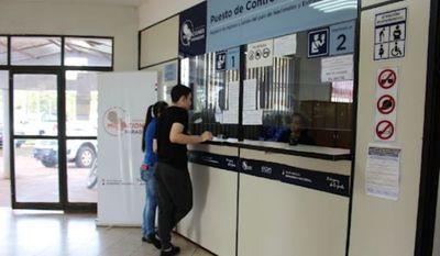 Anuncian control sanitario para viajeros provenientes de Brasil