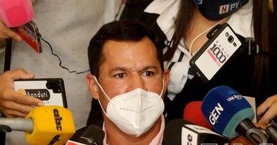 La Nación / Ulises Quintana aclara que sigue en el movimiento Colorado Añetete