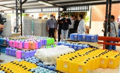 Consejo Local de Salud entrega lote de insumos y equipos al hospital