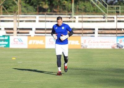 """Mauro Cardozo: """"Hace poco estábamos jugando partidos en cancha de Pilcomayo y hoy vamos a subir a un avión"""""""
