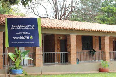 Fundación Continental entrega aulas en escuela de la capital