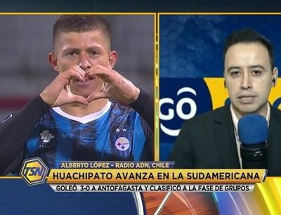Cris Martínez le da una mano al Huachipato