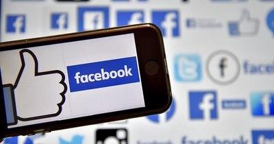 La Nación / Facebook sigue siendo muy popular en EEUU, según encuesta