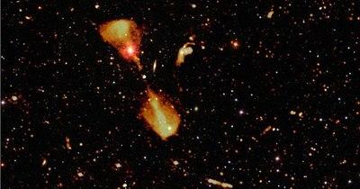 La Nación / Radiotelescopio europeo revela la juventud de miles de galaxias