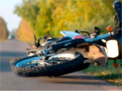 Motociclista muere tras chocar contra columna en Encarnación