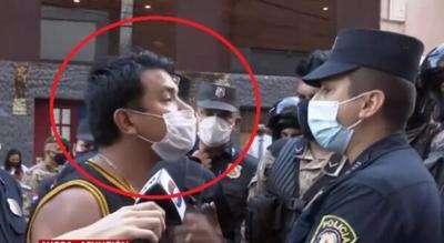 Detienen al dirigente liberal Marcos Báez por golpear a un policía