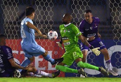 Uruguayos Torque y Fénix empatan 0-0 en ida de primera fase