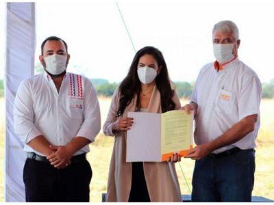 Firman contrato para construir hospital de Coronel Oviedo por USD 23,6 millones