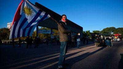 Cifra record de casos de COVID-19 en Uruguay y sigue suspensión de clases presenciales