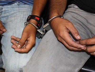 Cuatro detenidos por bloquear paso a vehículo que trasladaba enfermo · Radio Monumental 1080 AM