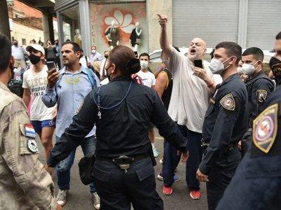 """Denuncian a joven que golpeó al policía y a Payo Cubas por """"resistencia y tentativa de lesión grave"""""""