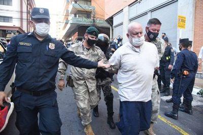 Payo está de vuelta: escrachó a policías y tras agresiones mutuas fue detenido