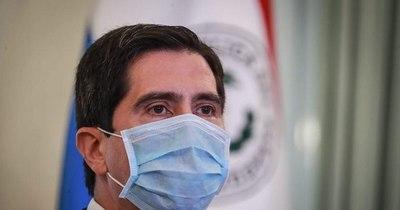 """La Nación / """"Compramos 4.300.000 vacunas en octubre"""", revela ministro y asegura que contratos contienen cláusulas leoninas"""