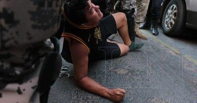 La Nación / Múltiple agresor detenido es funcionario del TSJE