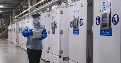 La Nación / Vacunas de Pfizer reducen temperatura para almacenamiento
