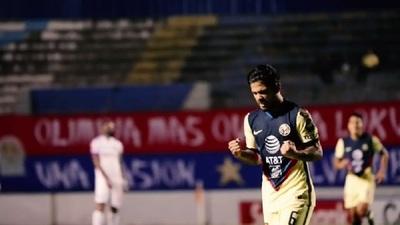 Sergio Díaz marca el gol de la victoria ante Olimpia