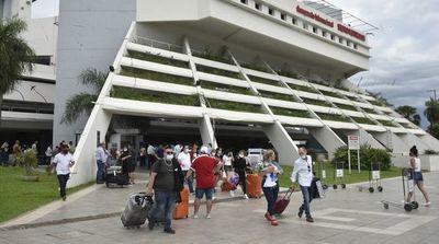 Paraguayos viajan masivamente a Estados Unidos