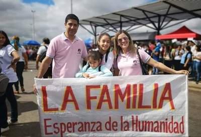 Día Nacional de la Familia se celebra en casa