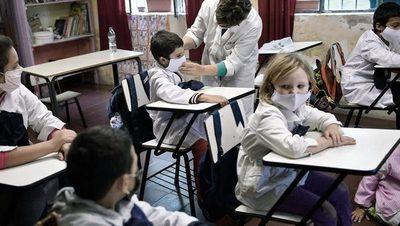 Uruguay extendió la educación virtual hasta el 3 de mayo