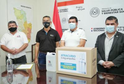 Petropar dona a Salud Pública 8.200 ampollas de Atracurio, adquiridos de la producción nacional
