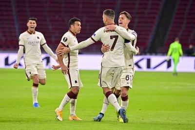 Roma y un valioso triunfo ante el Ajax en Ámsterdam
