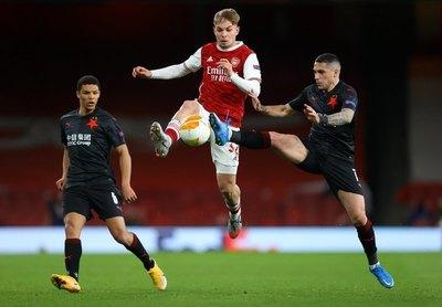 Arsenal dejó escapar la victoria en el último minuto