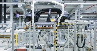 La Nación / Volkswagen quiere dominar el mercado eléctrico en 2025