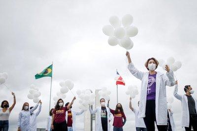 Para solicitar equidad en la distribución de las vacunas contra el Covid-19, más de mil científicos firman un petitorio